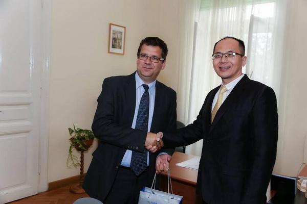匈牙利国民经济发展部部长舍斯塔克•米克洛什